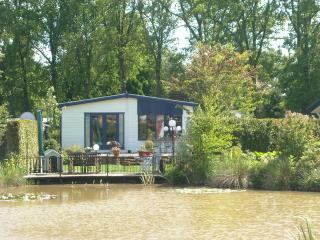 Nice Estate The Kingfisher (De Ijsvogel) Gelderlan - Voorthuizen vacation rentals