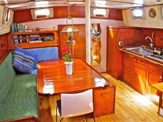 CLASSIC DEEP OCEAN YACHT 'ROZAMAR' WITH SKIPPER - Port de Pollenca vacation rentals