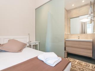 Bohemian Rhapsody 5 Beds in Gracia - Barcelona vacation rentals