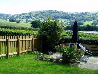Lovely Cottage with Short Breaks Allowed and High Chair - Llanrhaeadr ym Mochnant vacation rentals