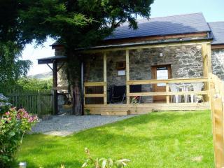 Belle Vue cottage - Llanrhaeadr ym Mochnant vacation rentals