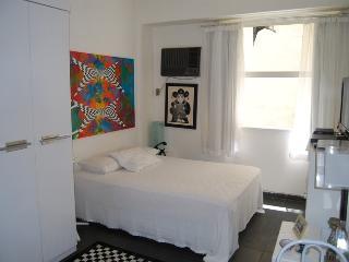 Cozy 1 bedroom Rio de Janeiro Condo with Internet Access - Rio de Janeiro vacation rentals