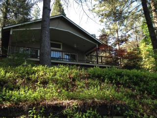 Paradise on the Rogue - Southern Oregon vacation rentals