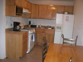 Albuquerque Condo, next to Sunport - Albuquerque vacation rentals