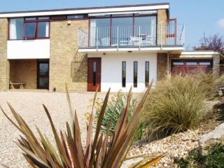 Fabulous beach-holiday house sleeps 10 - Hill Head vacation rentals