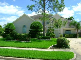2-Story on Castle Oaks Drive - Pearland, TX - Kemah vacation rentals