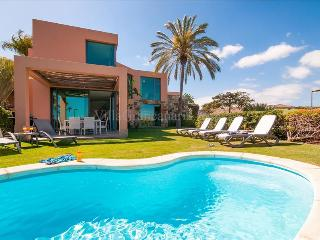 Cozy 3 bedroom Resort in Maspalomas with Internet Access - Maspalomas vacation rentals