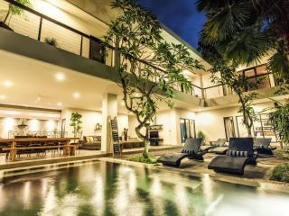 Villa Lamunan 5 Bedroom Villa Legian / Seminyak - Seminyak vacation rentals