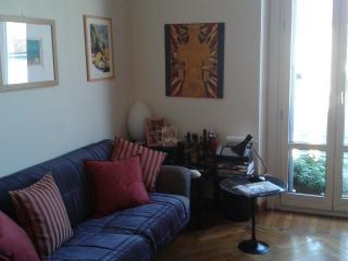 Cozy one bedroom apartment in Milan   Accogliente - Milan vacation rentals