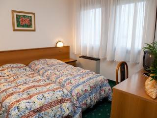 Residence Roma Camera doppia 01 - Pravisdomini vacation rentals