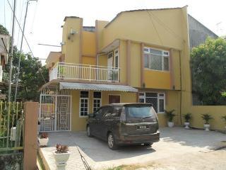 Bright 4 bedroom Townhouse in Kota Bharu - Kota Bharu vacation rentals