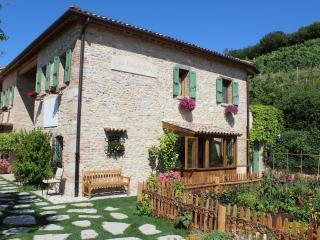 Perfect 4 bedroom Villa in Asolo with Internet Access - Asolo vacation rentals