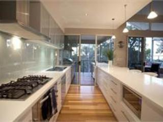 Charming House with Television and Microwave in Dunsborough - Dunsborough vacation rentals