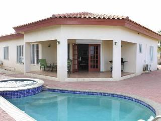 Lovely Villa with A/C and Shared Outdoor Pool - Aruba vacation rentals