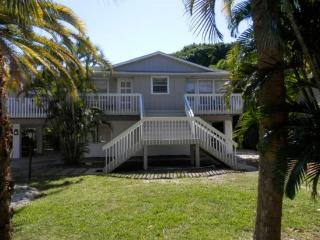 Holmes Beach Bungalow West- 107 47th St - Holmes Beach vacation rentals