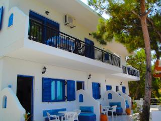 Nice House with Internet Access and A/C - Gialiskari vacation rentals
