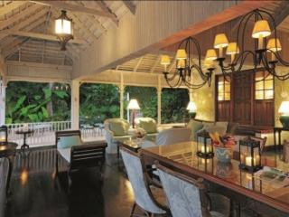 Attractive 4 Bedroom Villa with Private Pool in Round Hill - Hope Well vacation rentals