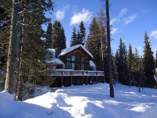 Tripod Lodge 4 - 4 Bedroom, 4.5 Baths. Sleeps 9. WIFI. Satellite TV. Pool Table. Can be rented as a 6 bedroom. - Stanley vacation rentals