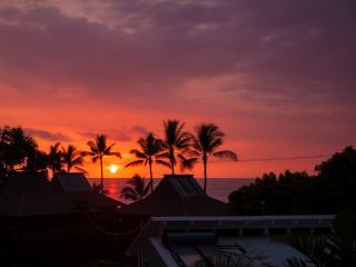 Kona Ocean View 2/2 Walk to Magic Sands Beach Park - Kailua-Kona vacation rentals