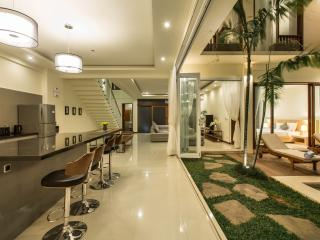 Luxury 4 BR Villa Alaya At Drupadi Seminyak - Seminyak vacation rentals