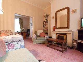 Earls Court Gardens 2 (Ivy lettings) - London vacation rentals