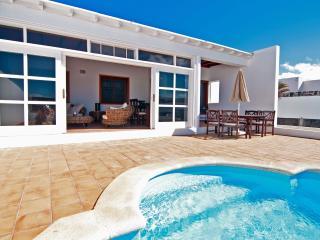 Bright 3 bedroom Playa Blanca Villa with Internet Access - Playa Blanca vacation rentals
