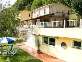Nice Farmhouse Barn with Deck and Internet Access - Forte Dei Marmi vacation rentals