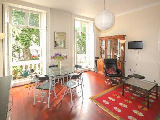 St George's Square (pro-managed by IVY LETTINGS) - London vacation rentals
