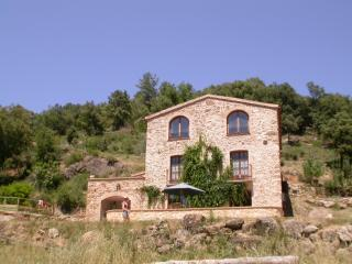 Perfect House with Internet Access and Kettle - Cabanelles vacation rentals