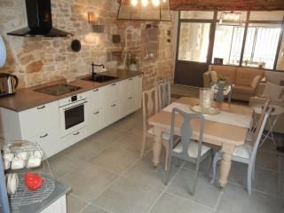 LA CANTILENE D EULALIE proche d Uzès et de Nîmes - Garrigues-Sainte-Eulalie vacation rentals