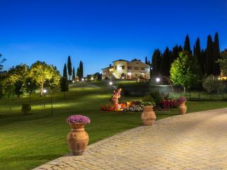 Nice 8 bedroom Villa in Arezzo - Arezzo vacation rentals