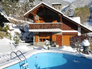 ANDORRA CHALET LLOPIS 12/16 PERS ARINSAL SKI - Andorra vacation rentals