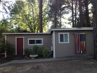 1 bedroom Cottage with Deck in Rogue River - Rogue River vacation rentals