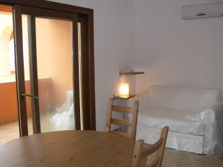 BILOCALE SANTA TERESA DI GALLURA - Santa Teresa di Gallura vacation rentals