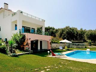 4 bedroom Villa in Agios Dimitrios, Rethymno, Crete, Greece : ref 2218014 - Loutra vacation rentals