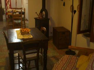 Perfect 3 bedroom Reggio Emilia House with Satellite Or Cable TV - Reggio Emilia vacation rentals