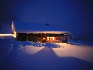 Nice Ski chalet with Balcony and Mountain Views - Adelboden vacation rentals