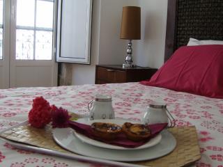 Rossio Deluxe 3bedrooms & balcony - Lisbon vacation rentals
