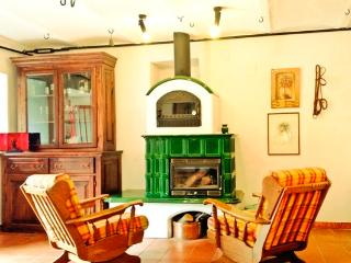 Wonderful 3 bedroom Agnone Farmhouse Barn with Internet Access - Agnone vacation rentals