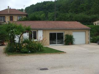 Cozy 2 bedroom Carlux House with Internet Access - Carlux vacation rentals