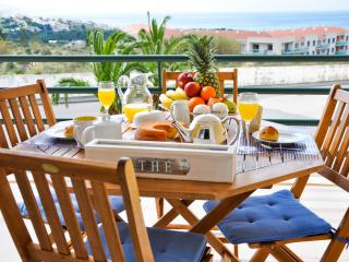 Beautiful Condo with Dishwasher and Kettle - Ericeira vacation rentals