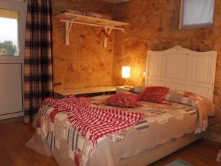 Casa da Nininha - T0 Azul Claro - Vale de Cambra vacation rentals