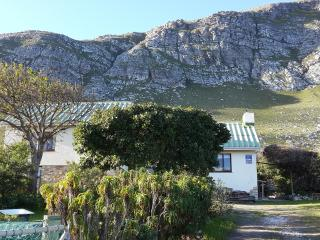 Jocks Bay Jewel s/catering cottage in Betty's Bay - Betty's Bay vacation rentals