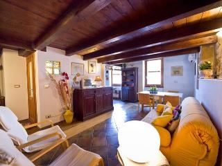 Best located in Old Town closewalk to the sea - Alghero vacation rentals