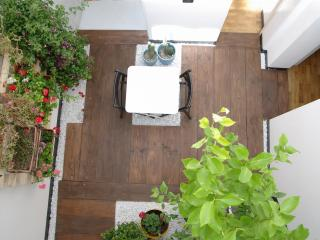 F12 HLUK Cosy design flat with winter garden - Catania vacation rentals