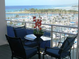 New Breathtaking Beachfront Condo, custom design, - Honolulu vacation rentals