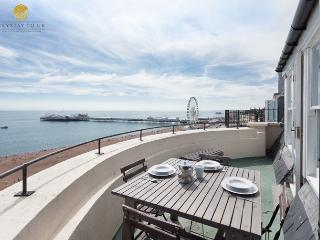 2 bed seafront apt Sleeps 8, roof terrace, spectacular seaviews, parking permits - Brighton vacation rentals