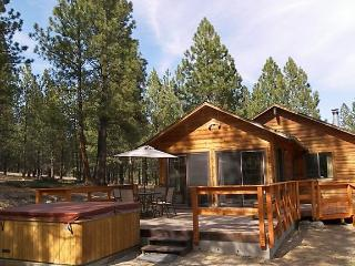 2 bedroom Cabin with Internet Access in Hamilton - Hamilton vacation rentals