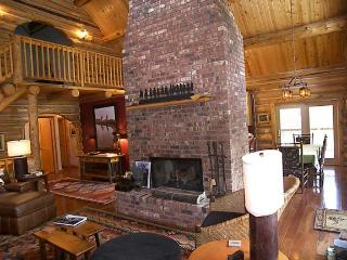 Wonderful Cabin with Internet Access and Dishwasher - Hamilton vacation rentals