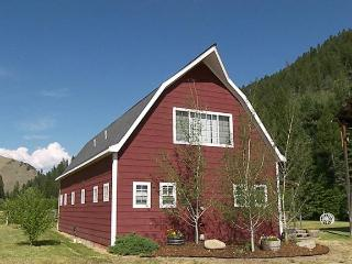 Nice Cabin with Dishwasher and Satellite Or Cable TV - Sula vacation rentals